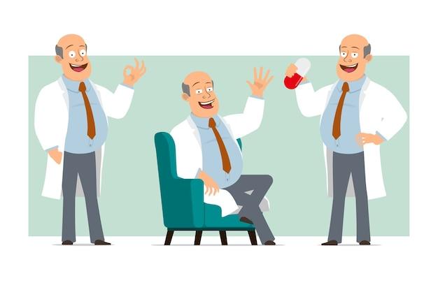 Karikatur flacher lustiger fetter kahler doktormanncharakter in weißer uniform mit krawatte. junge, der große pille hält und auf sofa ruht. bereit für animation. auf grünem hintergrund isoliert. einstellen.
