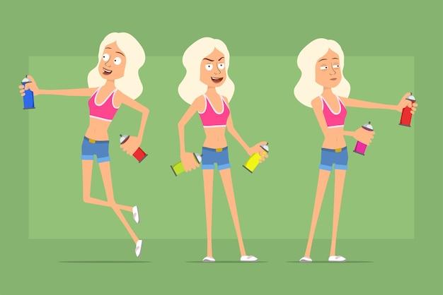Karikatur flacher lustiger sportfrauencharakter in hemd- und jeansshorts. mädchen stehend und arbeitend mit sprühfarbe kann.