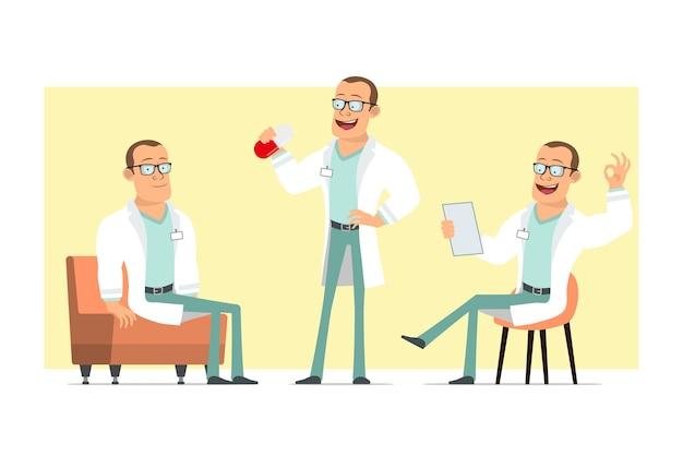 Karikatur flacher lustiger starker doktormanncharakter in der weißen uniform und in den gläsern. junge, der große pille hält und auf sofa ruht. bereit für animation. auf gelbem hintergrund isoliert. einstellen.