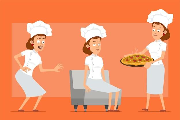 Karikatur flachkoch koch frau charakter in weißer uniform und bäcker hut. mädchen ruht sich aus und trägt italienische pizza mit salami und pilzen.
