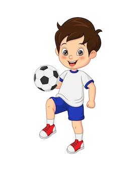 Karikatur kleiner junge, der fußball spielt