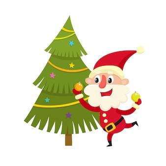 Karikatur-weihnachtsmann verzieren den weihnachtsbaum mit festlichen kugeln, karikaturillustration lokalisiert auf weißem hintergrund, alter mann mit glücklichem, frohem, lächelndem gesichtsausdruck.
