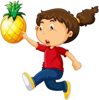 Karikaturfigur des glücklichen mädchens, die eine ananas hält