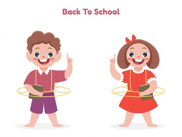Karikaturjunge und -mädchen, die ein buch mit zeigefinger oben auf weißem hintergrund für back to school-konzept halten.