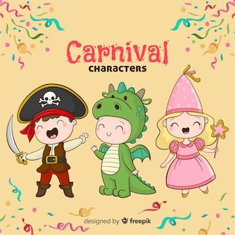 Karnevalsfiguren in Kostümen