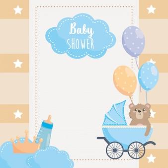 Karte mit etikett und teddybär mit babyflasche