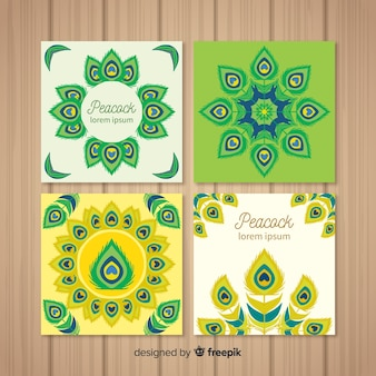 Kartenset mit eleganten pfauenmotiven