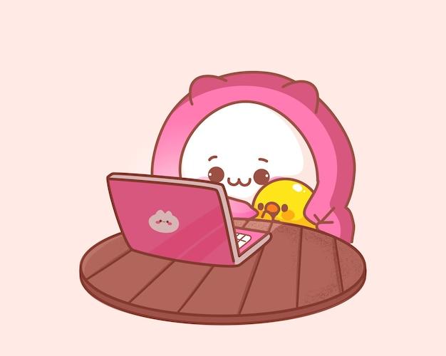 Katze und ente sehen film auf der laptop-karikaturillustration