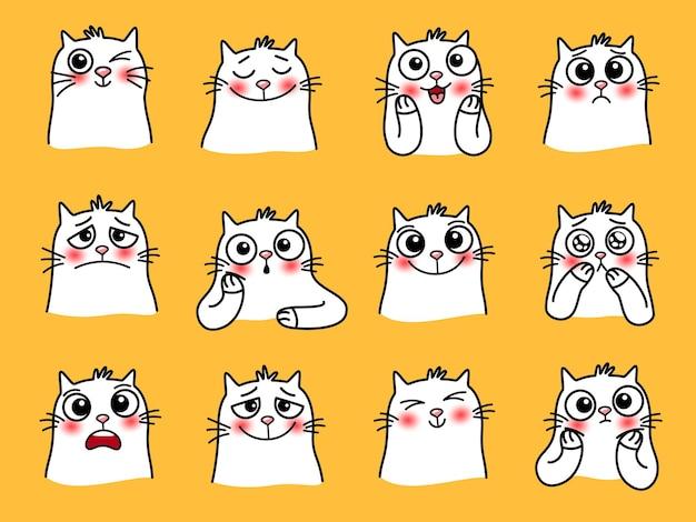 Katzencharakteraufkleber. cartoon-haustiere mit süßen emotionen, lächelnde grafische bilder von liebevollen tieren, vektorgrafiken von lustigen emojis von katzen mit großen augen isoliert auf gelbem hintergrund