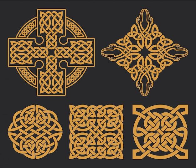 Keltisches kreuz und knoten gesetzt