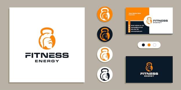 Kettlebell mit spartanisch auf negativem raum fitness-fitnessstudio-logo und visitenkarten-designvorlage