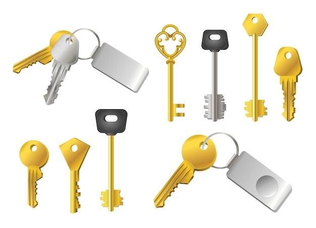 Keys - realistischer moderner vektorsatz verschiedener formobjekte. weißer hintergrund. verwenden sie diese hochwertigen clipart-elemente für ihr design. silberne und goldene schlüssel mit tags zum entriegeln von türen und schlössern.