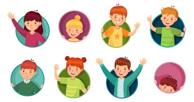 Kind im runden rahmen. kinder schauen aus kreisloch heraus, kinder in fensterlöchern und kind spähen aus fenstervektor-illustrationssatz