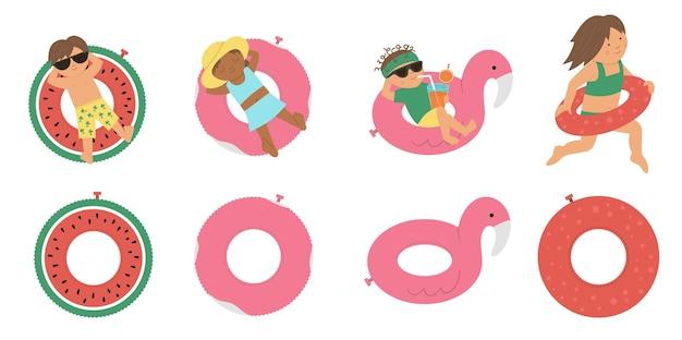 Kinder auf aufblasbaren ringen