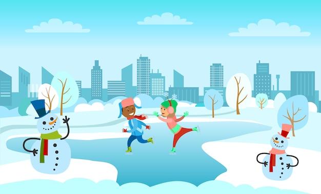 Kinder, die auf gefrorenen eissee im stadtpark eislaufen