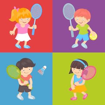 Kinder, die tennis spielen