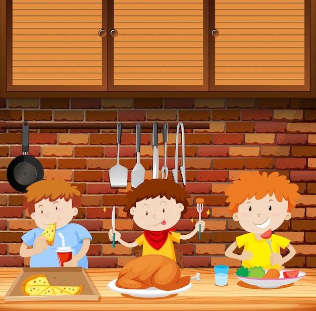 Kinder essen eine mahlzeit zusammen