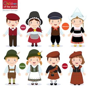 Kinder in verschiedenen trachten (wales, niederlande, deutschland, schottland)