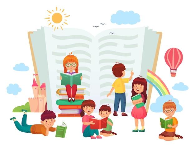 Kinder lesen bücher. kinder in der gruppe genießen literatur, lieben es zu lesen