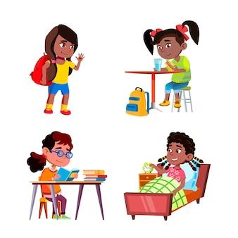 Kinder mädchen tägliche routinetätigkeiten set vector. kinder damen, die zur schule gehen und heimübungen machen, aufwachen und frühstück in der täglichen routine der küche essen. charaktere flache cartoon-illustrationen