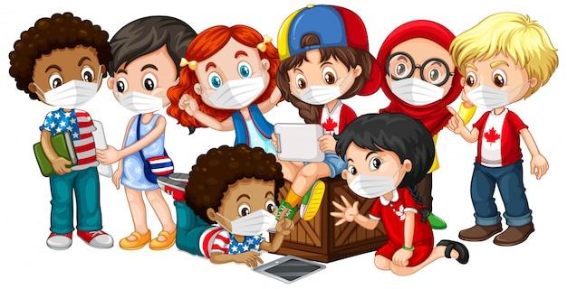 Kinder mit mehreren kulturen, die maske tragen