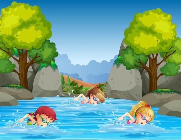 Kinder schwimmen in der natur