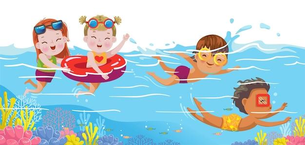 Kinder schwimmen unter wasser in der ozeangruppe von freunden im sommer