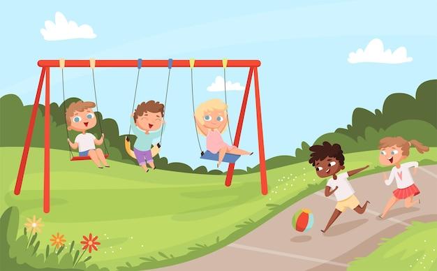 Kinder schwingen fahrten. freudiges gehen und spielen des naturcampkarikaturhintergrunds der kinder im freien.