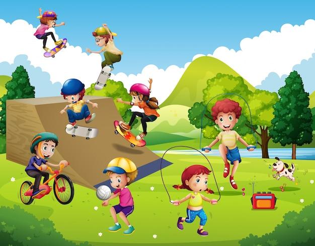 Kinder spielen verschiedene sportarten im park