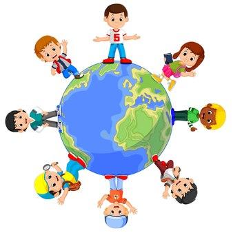 Kinder stehen auf dem globus