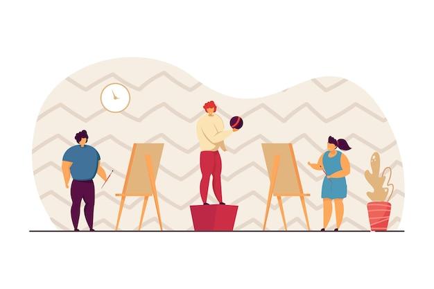 Kinder zeichnen die person, die mit ball im kunstunterricht posiert. junge und mädchen mit bürsten, die kind auf flacher vektorillustration der leinwand malen. kunst, bildungskonzept für banner, website-design oder landing-webseite