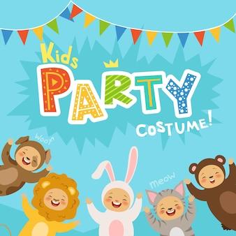 Kinderfesteinladung mit illustrationen von glücklichen kindern in karnevalskostümen von tieren