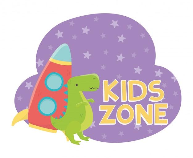 Kinderzone, plastikrakete und grünes dinosaurierspielzeug