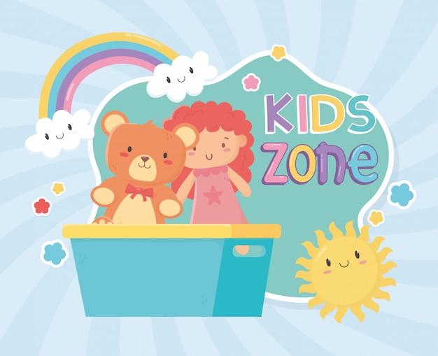 Kinderzone, teddybär und kleine puppe in eimerspielzeug