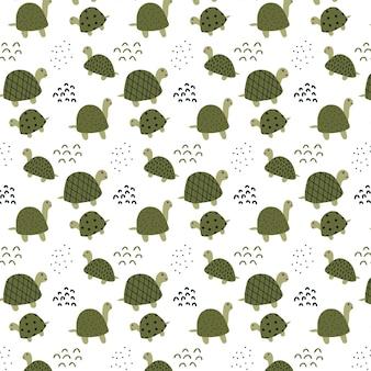 Kindisches handgezeichnetes muster mit süßen grünen schildkröten