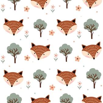 Kindliches nahtloses muster mit füchsen und bäumen