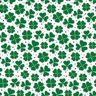 Kleeblätter nahtloses muster grüner kleeblatt sich wiederholender hintergrund