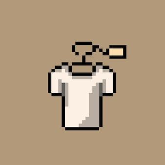 Kleidung im verkauf mit pixel-art-stil