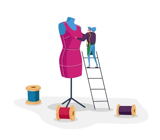 Kleidungs- oder modedesigner-charakter, der kleidungsstück auf riesige schaufensterpuppe projiziert