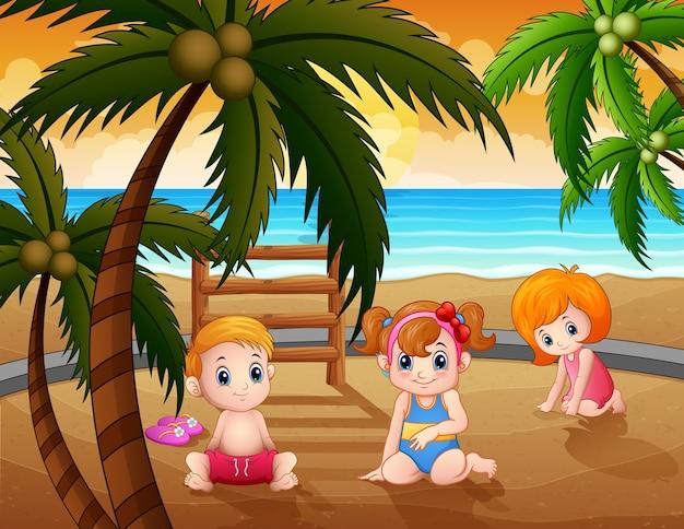 Kleine kinder der karikatur, die auf dem strandsand sitzen