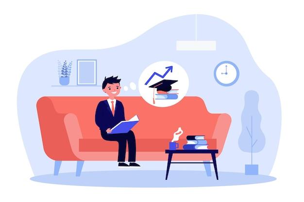 Kleiner junge, der auf sofa sitzt und buch liest