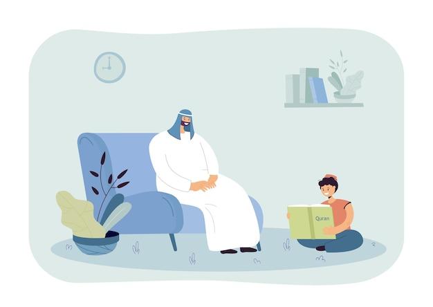 Kleiner junge, der koran auf dem boden liest