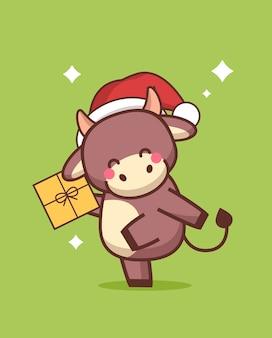 Kleiner ochse in der weihnachtsmütze, die geschenkbox hält glückliches chinesisches neues jahr 2021 grußkarte niedliche kuh-maskottchen-zeichentrickfigur in voller länge vertikale vektorillustration