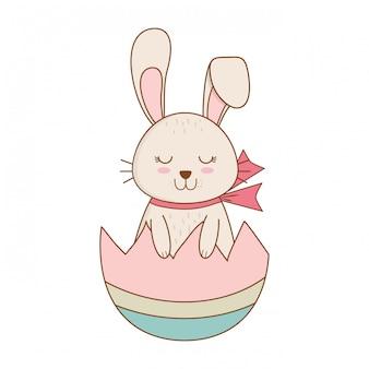 Kleines kaninchen mit ei gebrochener gemalter ostern-charakter