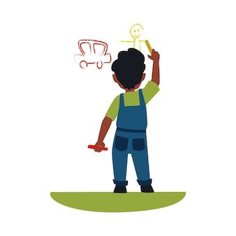 Kleines kind, das auto und eine person mit kreide an der wand zeichnet, jungenkind, das gelbe und orange buntstifte hält und niedliche kunst, kindheitskünstler macht
