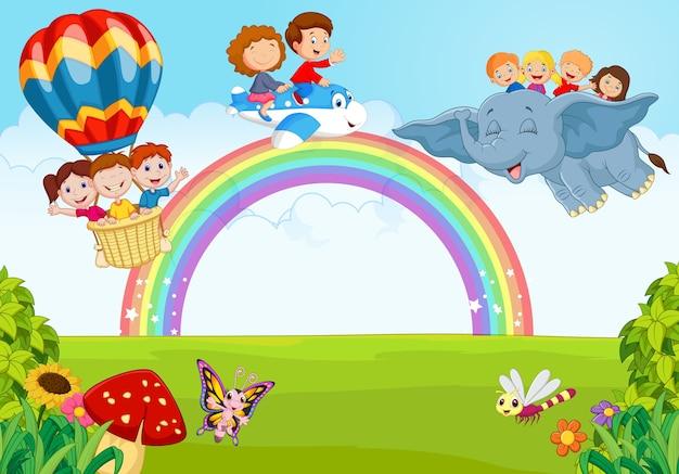 Kleines kind der karikatur auf dem regenbogen