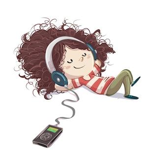 Kleines mädchen, das musik mit glücklichen kopfhörern hört