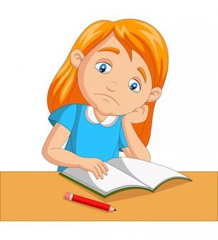 Kleines mädchen gelangweilt hausaufgaben zu studieren