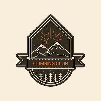 Kletterklubabzeichen. schwarzweiss-linienillustration. bergwander- und wanderemblem