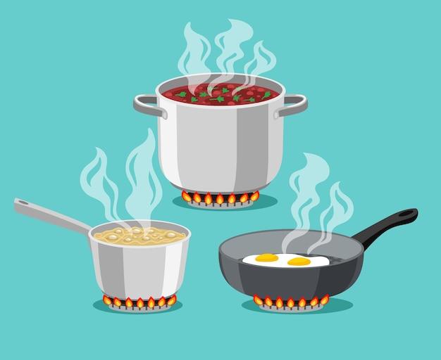 Kochen in heimischen pfannen. kochtopf und bratpfanne, cartoon-stahlkochtöpfe mit kochender suppe und spiegelei, konzept des abendessens zu hause auf dem herd, flammender gasbrenner heizt die küche